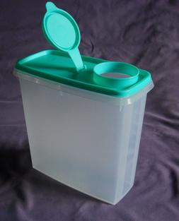 Tupperware cereal storer dry food storage container with pou