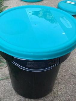 RUBBERMAID COMMERCIAL 4.13 QT  ROUND FOOD STORAGE CONTAINER