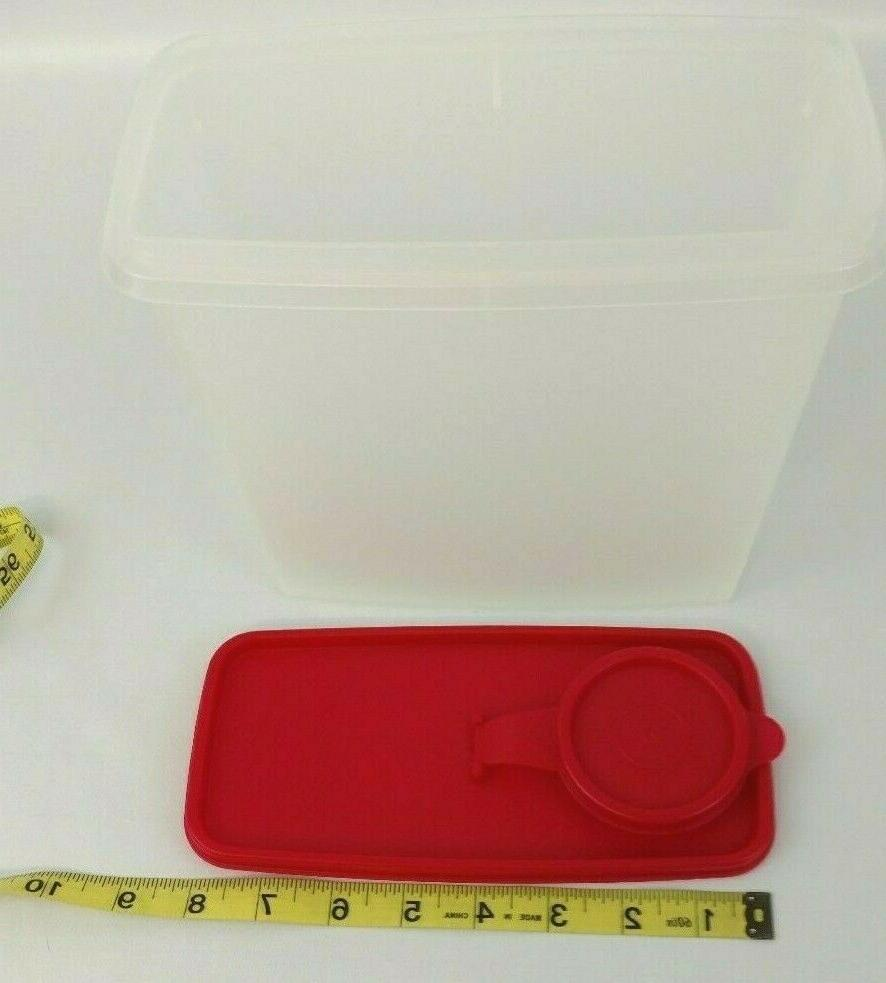 Tupperware Food Container Pour