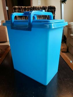 New Tupperware Large Carry All w/ Handle 58 Cup / 3.6 Gallon